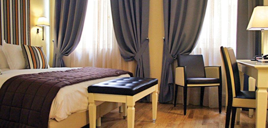 Hotel Milano, Verona, Italy - bedroom.jpg